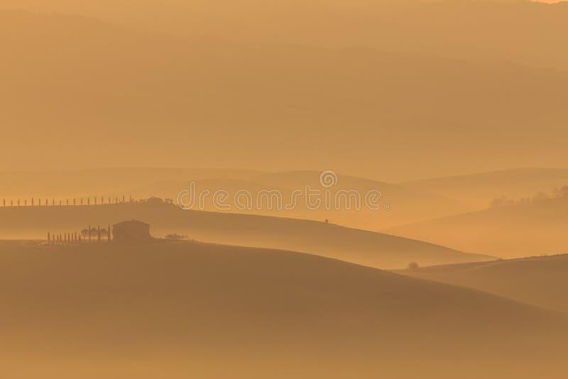 soluppgång tuscany arkivbild