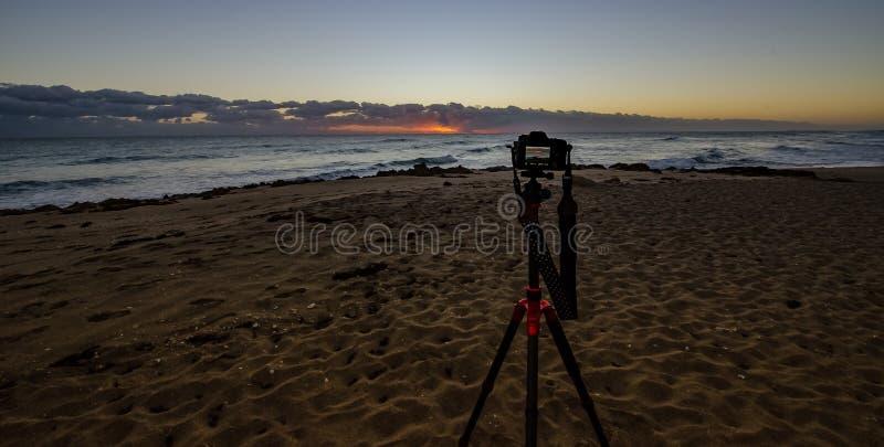 Soluppgången i kameran arkivfoto