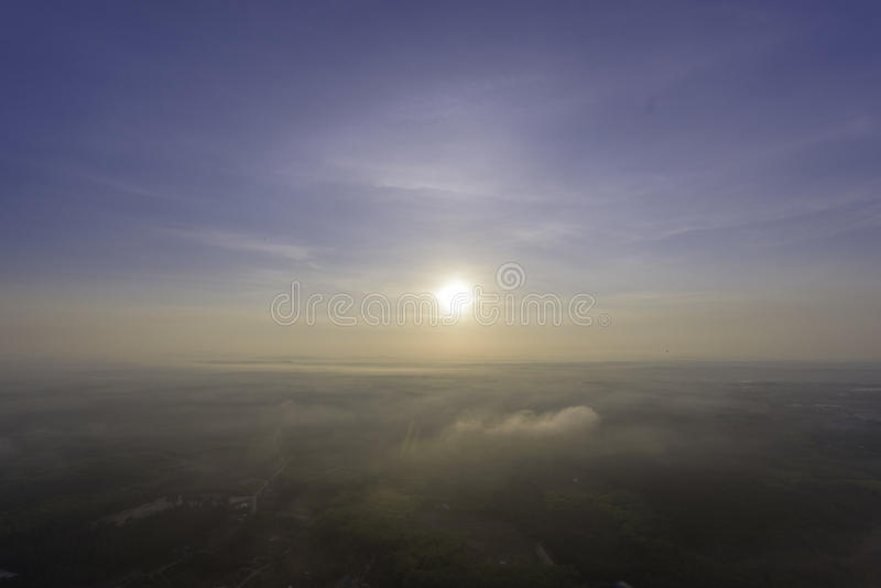 Soluppgånghimmel på i morse royaltyfri fotografi