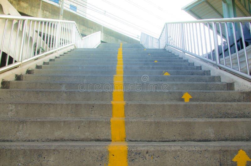 soluppgångmorgon på trappan av fotbollstaduim royaltyfri foto