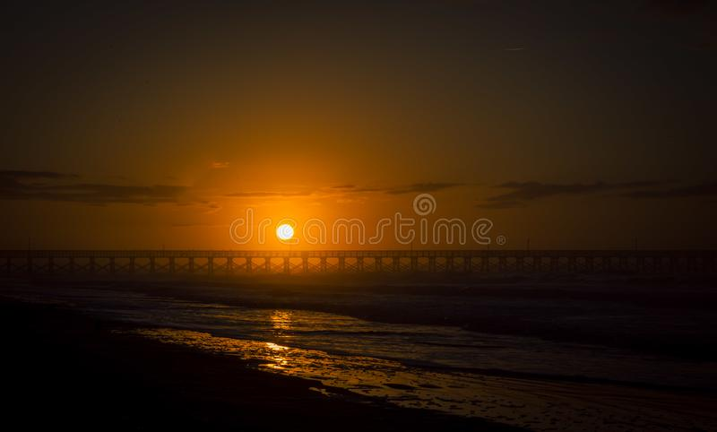 Soluppgångpir i Myrtle Beach royaltyfri bild
