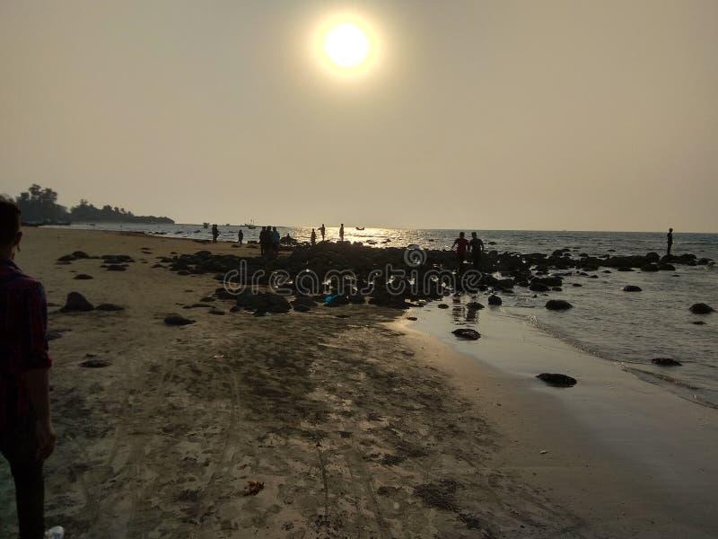 Soluppsättning på den St Martin ön royaltyfria bilder