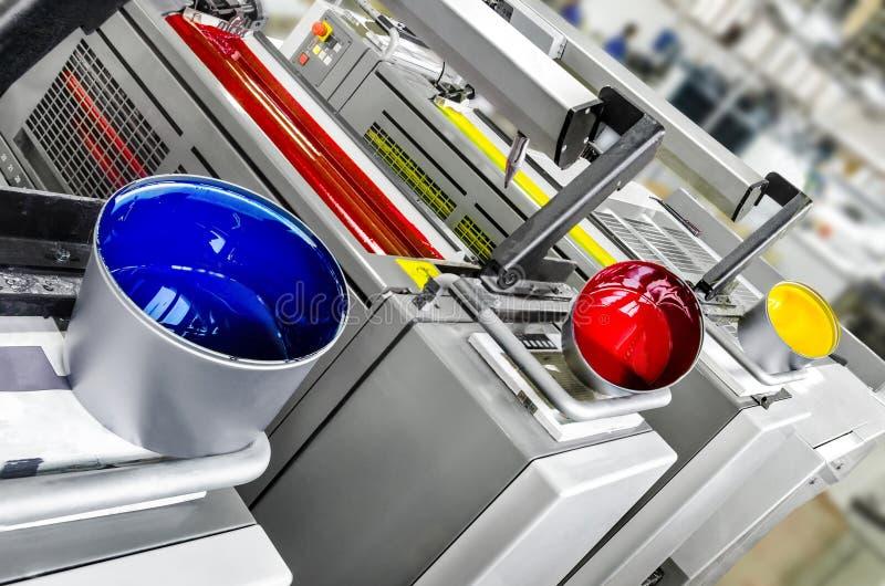 Solutions d'impression : unités excentrées d'impression de couleurs de l'imprimante 4 photo libre de droits