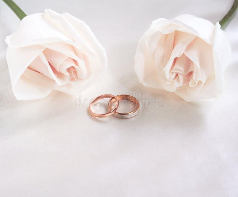 som bakgrund ringer att gifta sig för ro arkivfoton