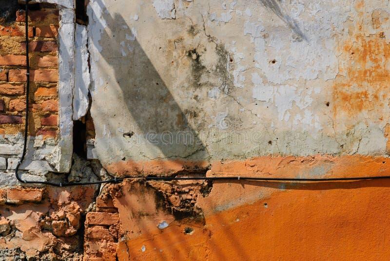 som den gammala väggen för bakgrundstegelsten arkivbild