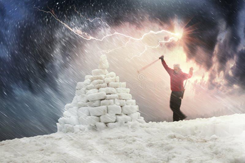 Is som förlägga i barack under en orkan royaltyfria foton