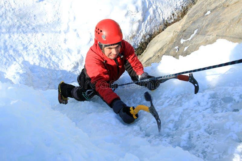 Is som klättrar det norr Kaukasuset arkivfoto