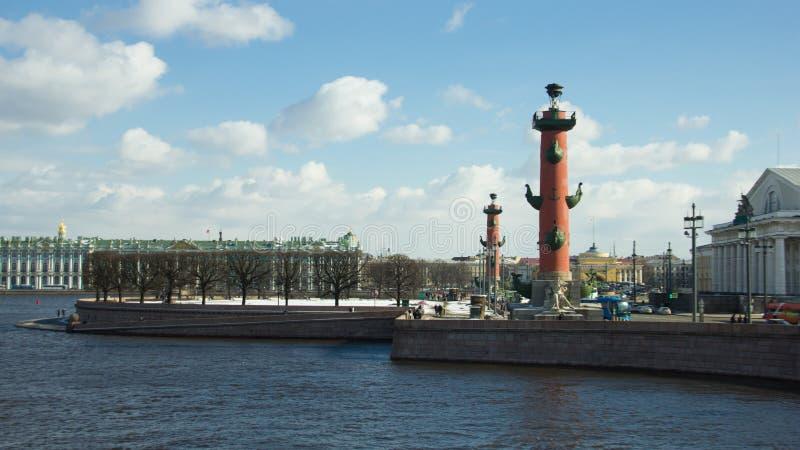 Som spottas av den Vasilievsky ön, St Petersburg, Ryssland royaltyfria foton