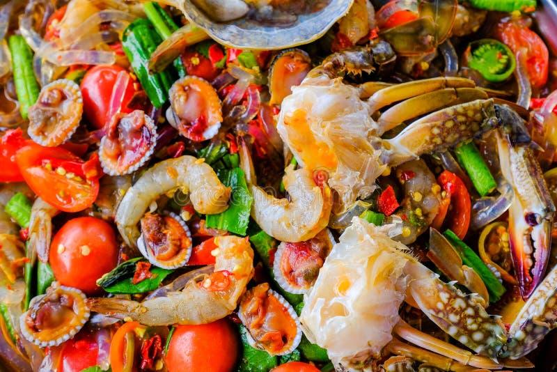 Som Tam Seafood Spicy Papaya Salad avec le crabe salé photo libre de droits