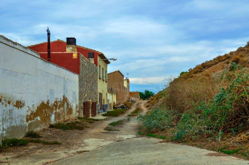 Sombere Straat in een kleine Spaanse stad royalty-vrije stock afbeeldingen