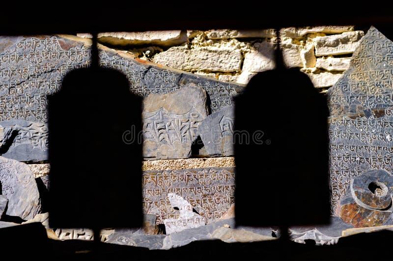 Sombra da roda de oração de Nepal fotografia de stock