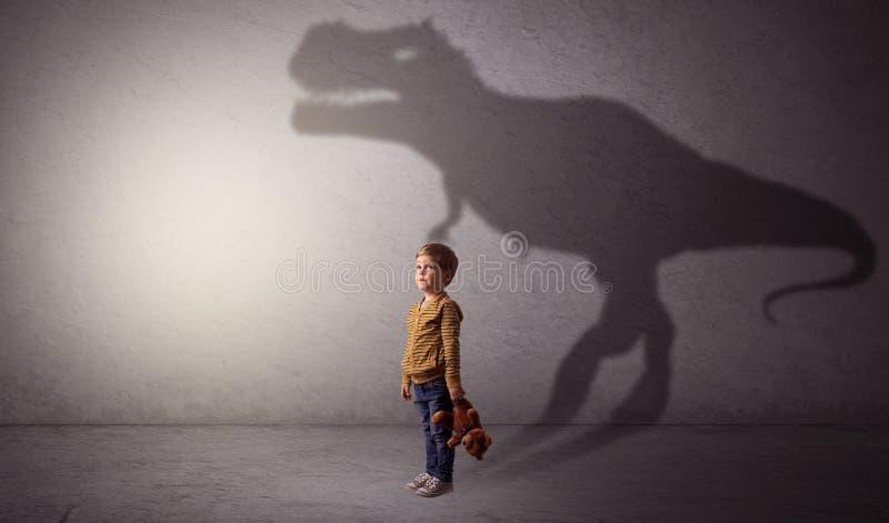 Sombra de Dinosaurus atrás do menino bonito ilustração do vetor