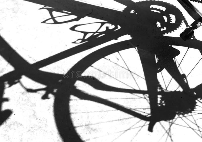 Sombra de la bici imagen de archivo libre de regalías