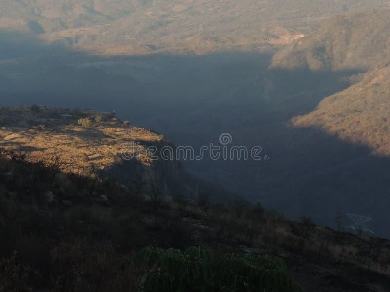 Sombra de la luz del sol de Barranca fotografía de archivo libre de regalías