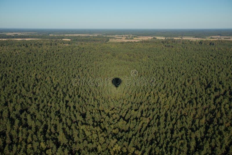 Sombra del globo en la tierra imágenes de archivo libres de regalías