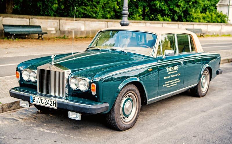 Sombra verde luxuosa exclusiva II de Rolls Royce Silver do carro fotos de stock