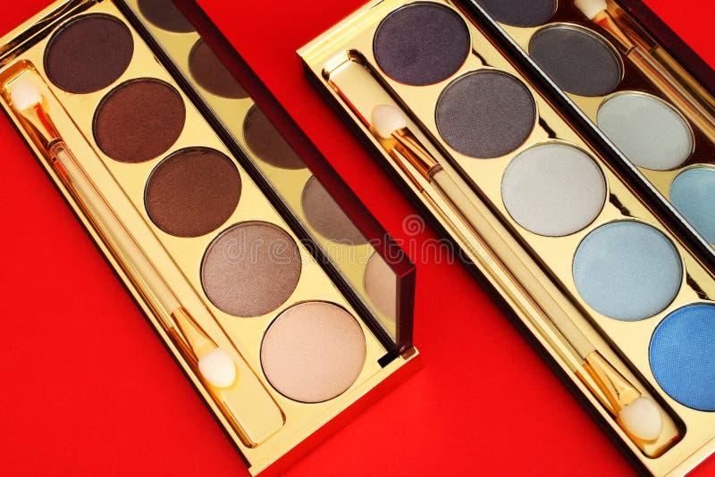 Download Sombras imagem de stock. Imagem de blusher, higiene, glamor - 12804699