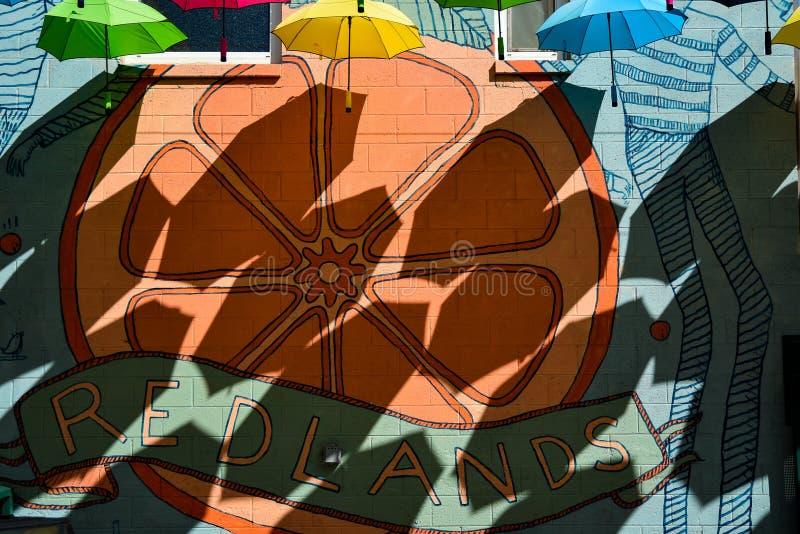 Sombras de los paraguas usados como un tejado y sombra imágenes de archivo libres de regalías