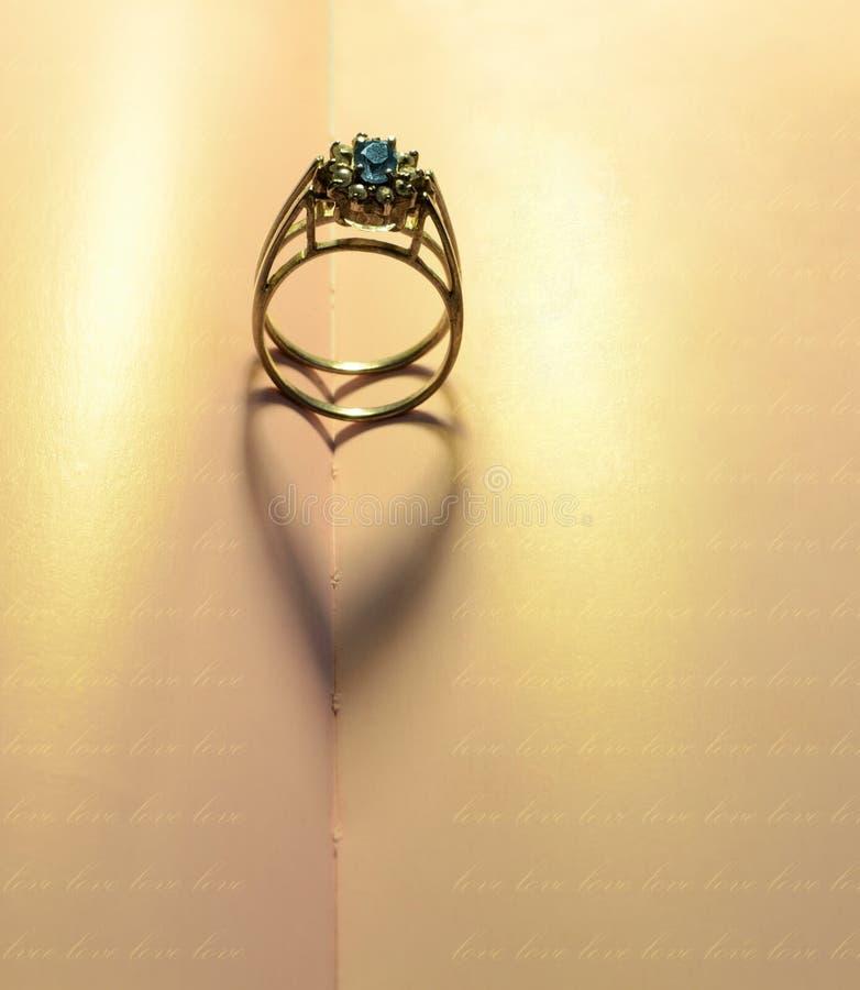 Sombras dos corações de um anel foto de stock