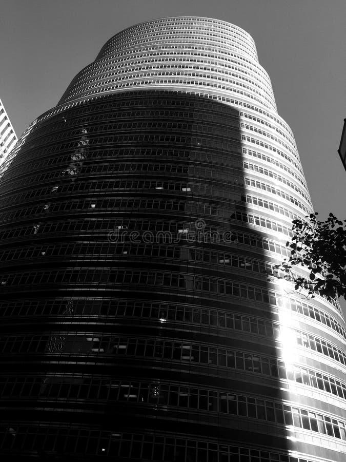 Sombras en el edificio del lápiz labial fotos de archivo