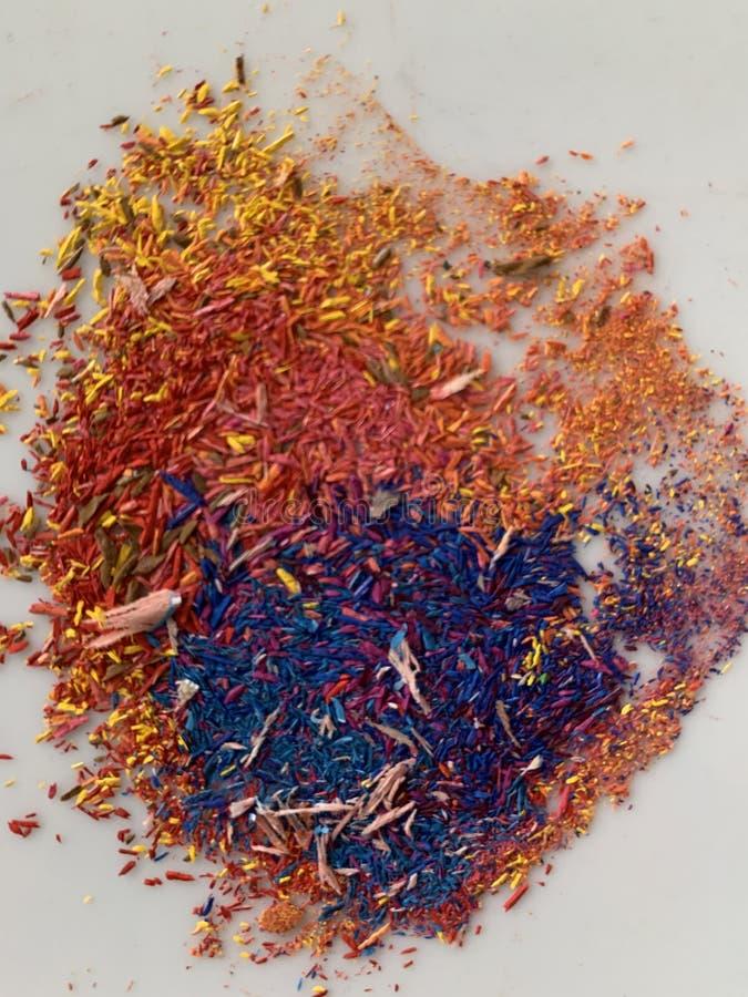 Sombras gráficas de color amarillo rojo y violeta esparcidas en forma circular abstracta ligeramente mezcladas fotografía de archivo libre de regalías