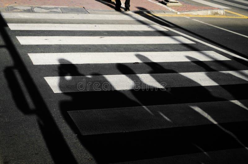 Sombras na rua imagem de stock royalty free