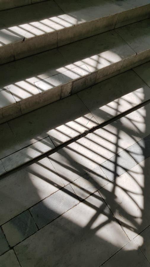 Sombras rayadas abstractas del enrejado de la ventana foto de archivo