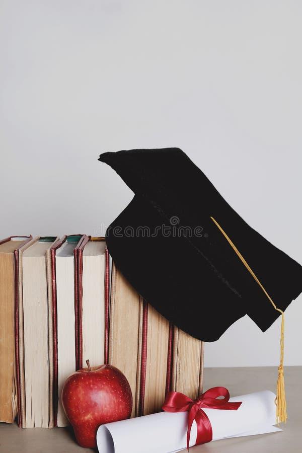 Sombrero académico cuadrado fotografía de archivo libre de regalías