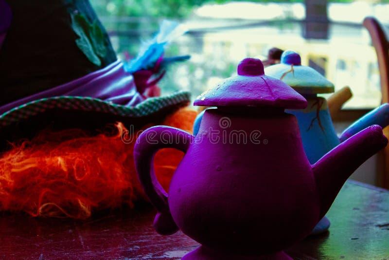 Sombrero de copa colorido hermoso y mágico imagen de archivo