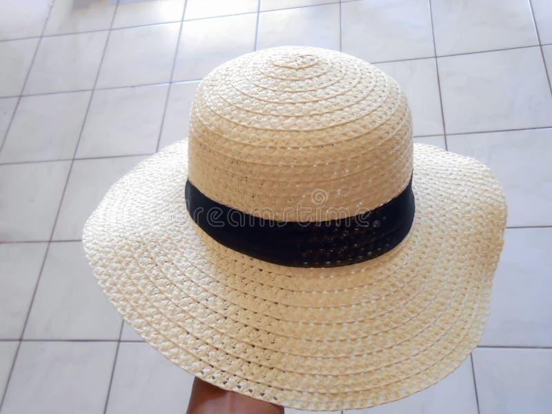 Sombrero de Papier con la banda negra imagen de archivo libre de regalías