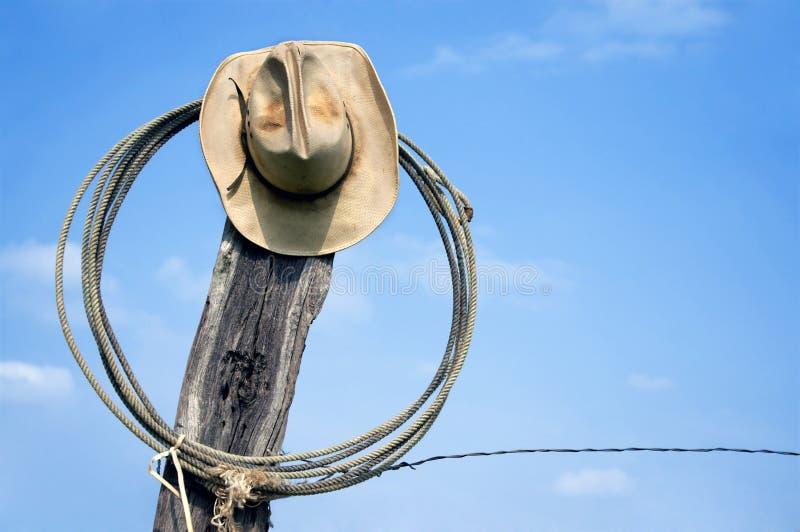 Sombrero de vaquero y lazo fotografía de archivo libre de regalías