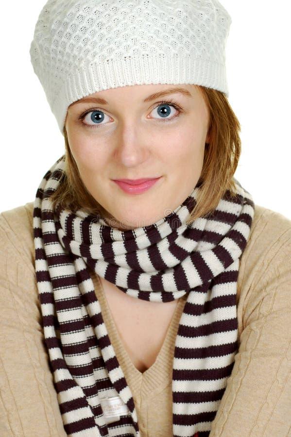 Sombrero del invierno de la mujer que desgasta fotografía de archivo libre de regalías