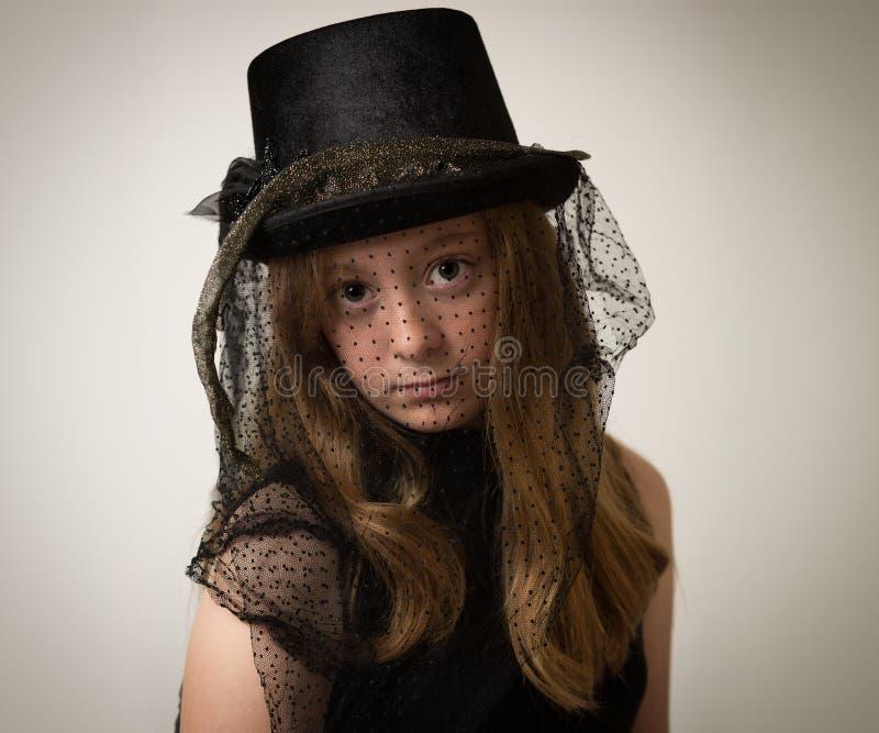Sombrero del montar a caballo de Ginger Teenage Girl In Victorian foto de archivo