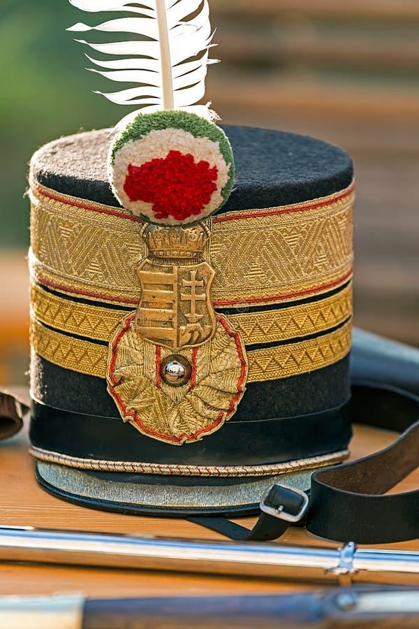 Sombrero en el oficial húngaro de la infantería fotografía de archivo