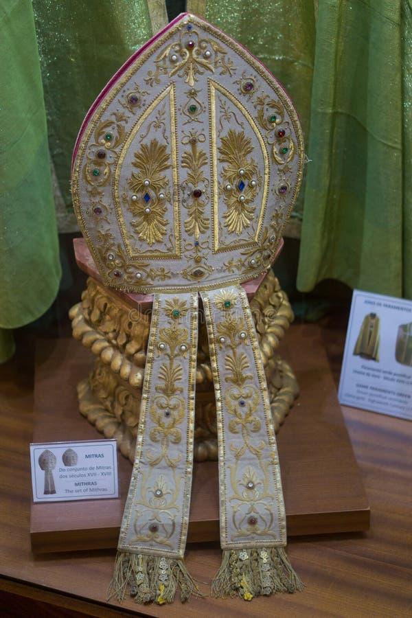 Sombrero/inglete del ` s del obispo católico foto de archivo libre de regalías