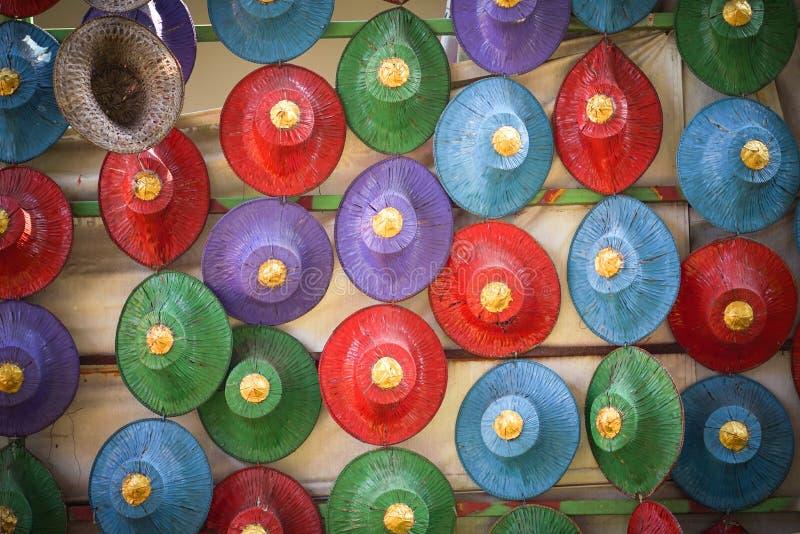 Sombreros hechos de la palma imagen de archivo