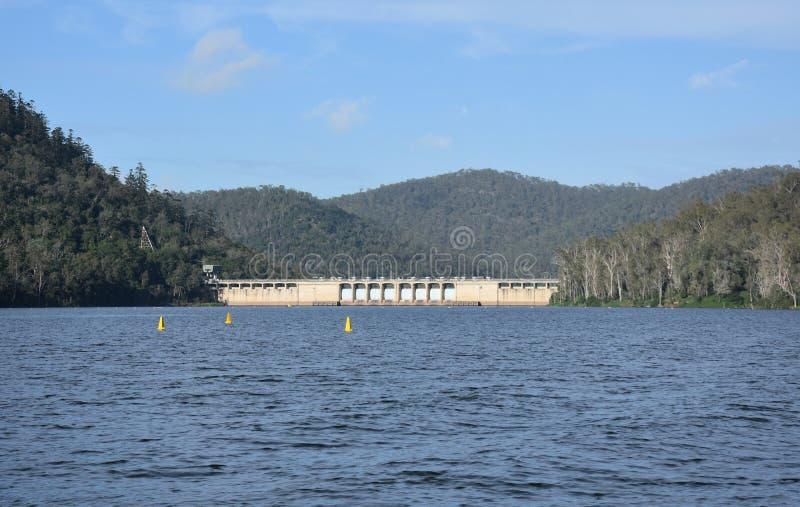 Somerset Dam è una diga a gravità di cemento non armato fotografia stock libera da diritti