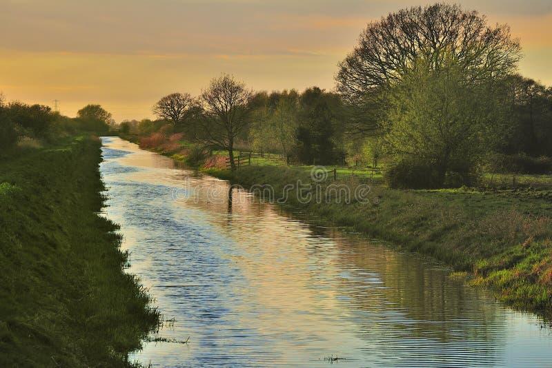 Somerset nivelle le fossé de drainage photographie stock