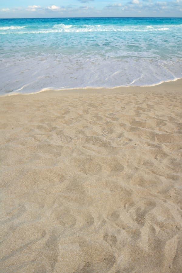 sommar för kust för sand för strandkustlinjeperspektiv royaltyfria bilder