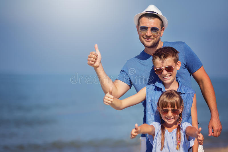 Sommar familj, semesterbegrepp arkivfoto