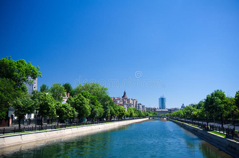 Sommar i Bucharest royaltyfria foton