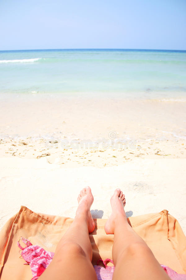 Sommarben på stranden arkivbild