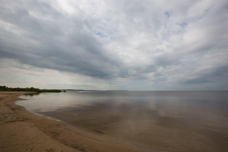 SommarPeipsi landskap för sjö arkivbild