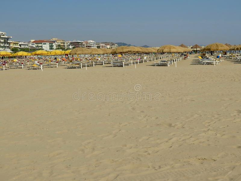 SommarPescara strand Italien arkivbilder