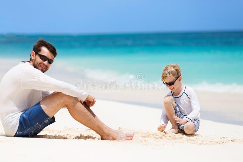 Sommarsemester på stranden royaltyfria bilder