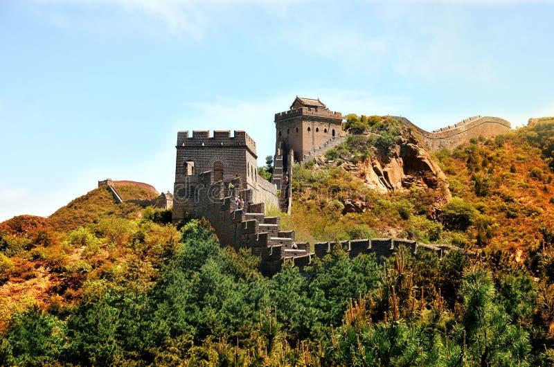 Sommarsikt på den stora väggen Kina royaltyfri fotografi
