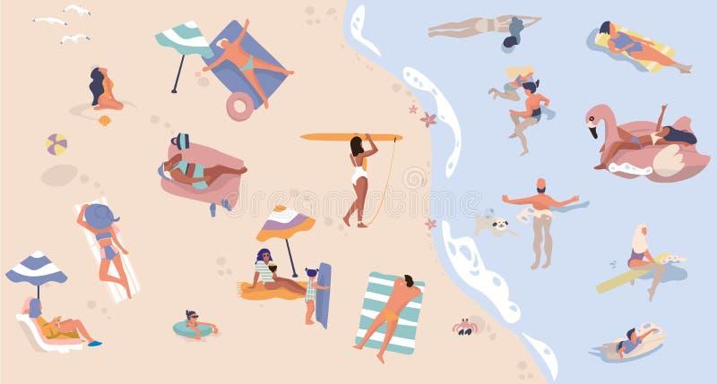 Sommarstrand med folk Män och kvinnor som gör semesteraktiviteter och att simma liggande och sittande tecknad filmtecken vektor royaltyfri illustrationer