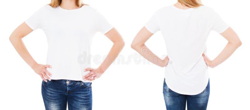 Sommart-skjorta uppsättning som isoleras på vitt, kvinna som pekas på t-skjortan, flickapunkt på tshirten, kantjusterad bild arkivfoto