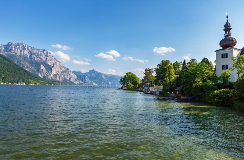 SommarTraunsee sjö, Gmunden, Österrike royaltyfri foto