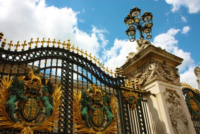 Sommarturism utanför hemmet av drottningarna av England royaltyfria foton